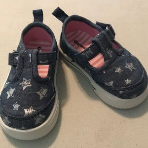 Denim and stars Velcro straps infant shoes.